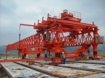 چین Machinery Launching Gantry Crane with Powerful Corrosion Resistance تامین کننده