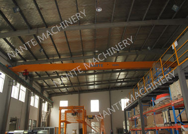 چین LDX1t-12m Single Girder Overhead Cranes for machinery works/ Workshop / Warehouse / Station کارخانه